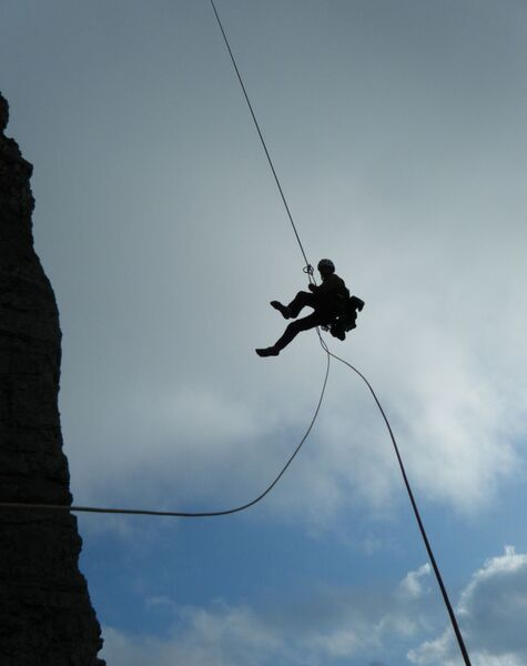 Abseilen 2 (Klettergarten)
